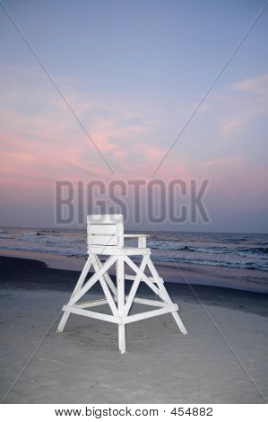 Beach_lifeguardchair