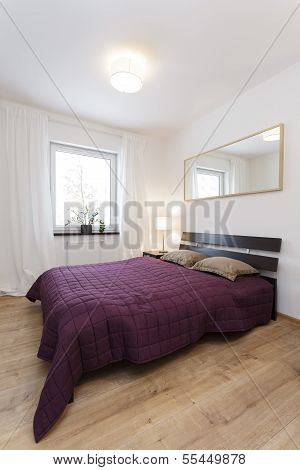 Cosy Flat - Violet Bedroom