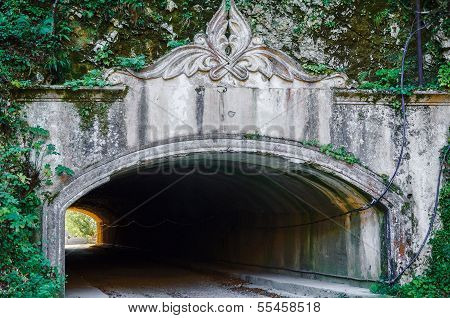 Entrance to the tunnel
