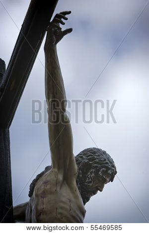 Figure of Jesus on the cross carved in wood by the sculptor Alvarez Duarte Holy Christ of the Estudi