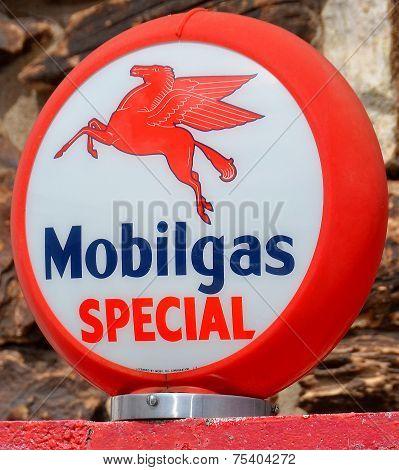 Mobilgas gas pump sign