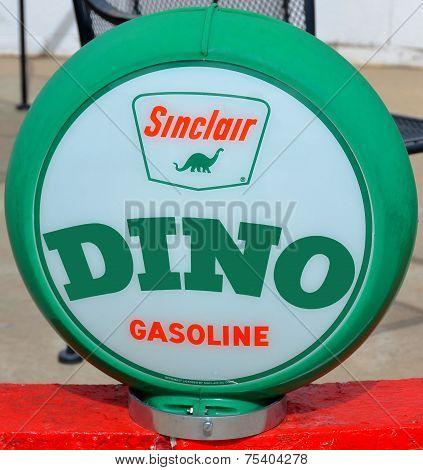 Sinclair Oil Corporation pump sign