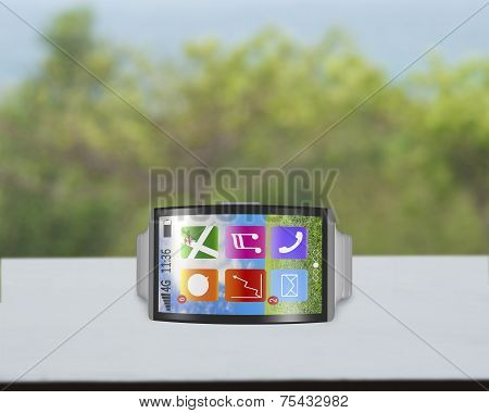 Bent Interface Smartwatch Horizontal With Metal Watchband