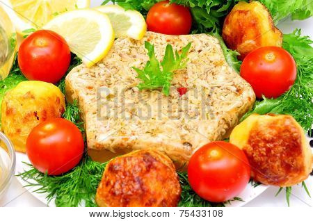 Aspic from meat with roasted potatoes