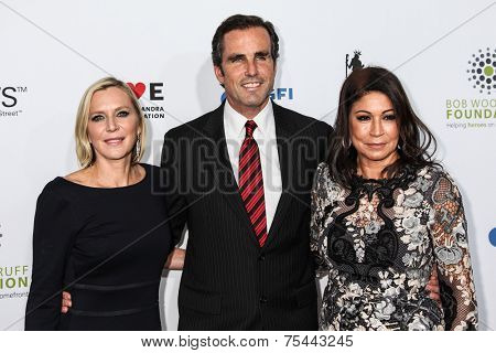 NEW YORK, NY - NOVEMBER 05: (L-R) Lee Woodruff, Bob Woodruff and Caroline Hirsch attend 2014 Stand Up For Heroes at Madison Square Garden on November 5, 2014 in New York City.