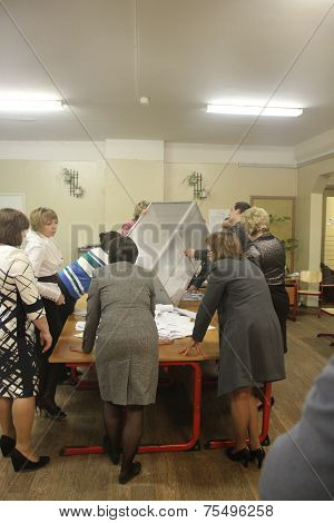 Elections In Russia. Members Of The Election Commission Began Counting