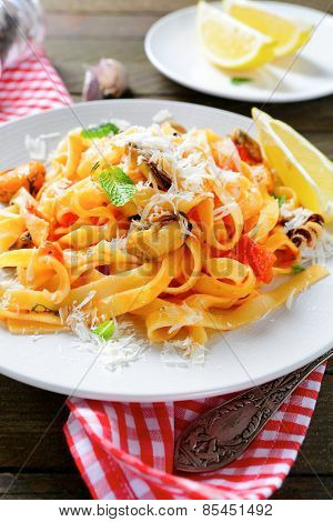 Pasta With Cheese And Seafood