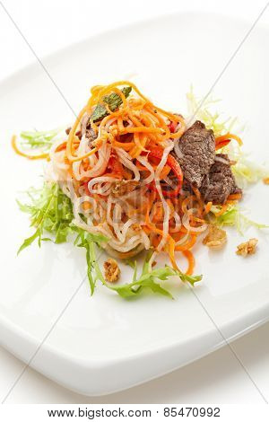 Marinated Vegetables Salad with Fried Beef