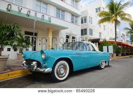 1957 Ford Thunderbird in Miami Beach