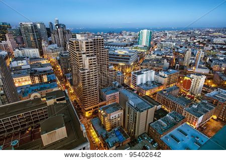 Downtown San Francisco city skyline at dusk
