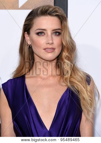 LOS ANGELES - JUN 25:  Amber Heard arrives to the