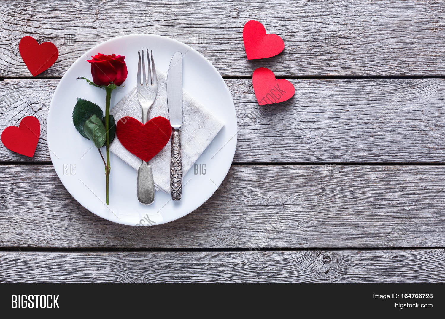Romantic dinner concept valentine image photo bigstock for Table 52 valentine s day
