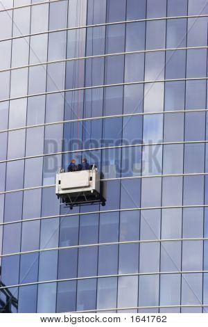 Skuscraper Windows Washers