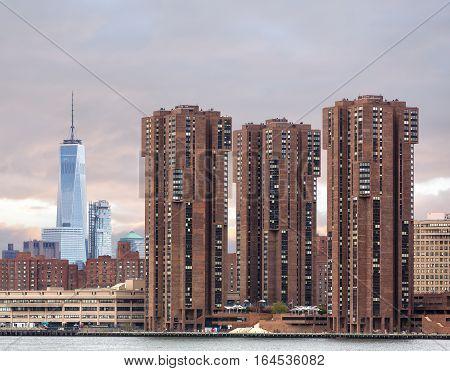 View On Manhattan Skyline From Queens
