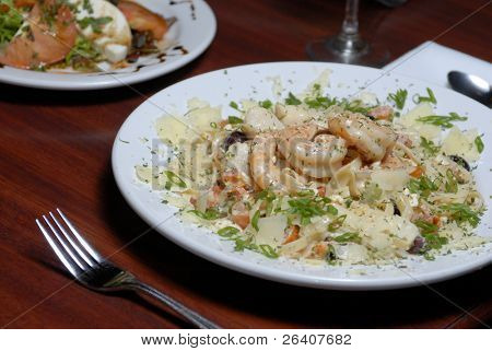 Savory shrimp and scallop pasta dish 04