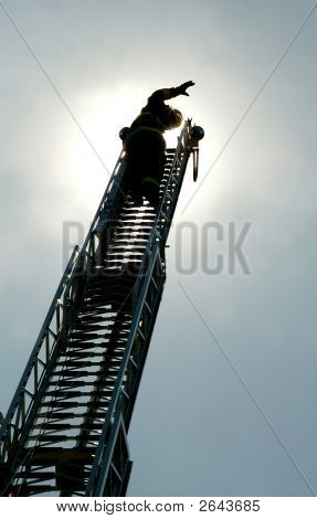 Firemanwavinglatter