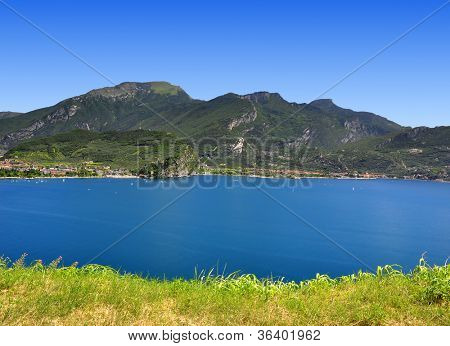 Lago di Garda, largest Italian lake,North Italy