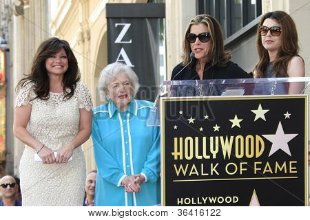 LOS ANGELES - AUG 22: Valerie Bertinelli, Betty White, Jane Leeves, Wendy Malick as Valerie Bertinelli is honored with a star on the Hollywood Walk of Fame on August 22, 2012 in Los Angeles,California