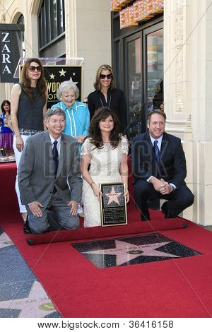 LOS ANGELES - AUG 22: Valerie Bertinelli, Betty White, Jane Leeves, Wendy Malick, Lero as Valerie Bertinelli is honored with a star on the Walk of Fame on August 22, 2012 in Los Angeles, California