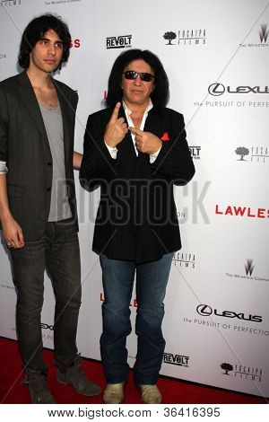 LOS ANGELES - AUG 22:  Nick Simmons, Gene Simmons arrives at the