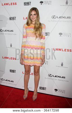 LOS ANGELES - AUG 22:  Jennifer Missoni arrives at the