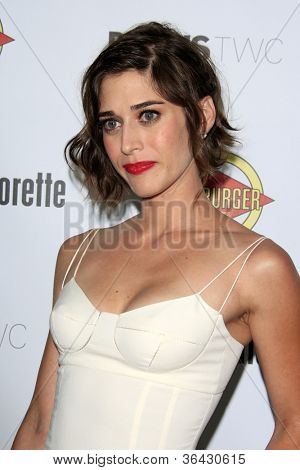 LOS ANGELES - AUG 23:  Lizzy Caplan arrives at the