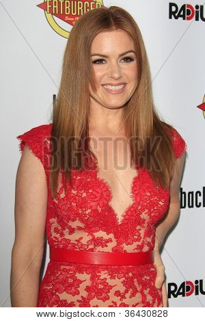 LOS ANGELES - AUG 23:  Isla Fisher arrives at the
