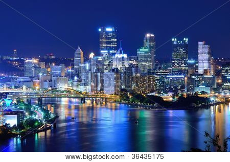 Skyscrapers in downtown PIttsburgh, Pennsylvania, USA.