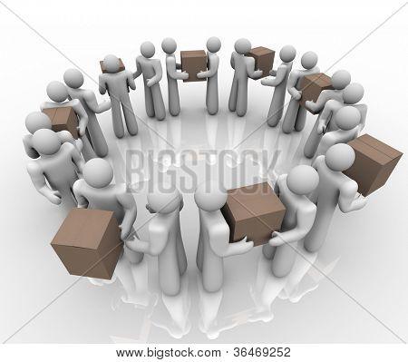 Uma equipe de pessoas trabalhando em um sistema ou processo de círculo para entregar caixas e pacotes em um envio de um