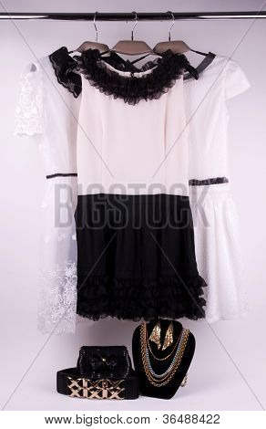 The dress on the shoulders of the photo for the design