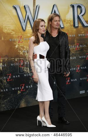 BERLIN - JUN 4: Angelina Jolie and Brad Pitt at the 'WORLD WAR Z' Premiere at Sony Center on June 4, 2013 in Berlin, Germany