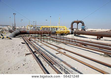 Öl und Gas-Pipeline in der Wüste