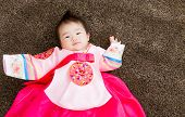 image of hanbok  - Korean little girl - JPG