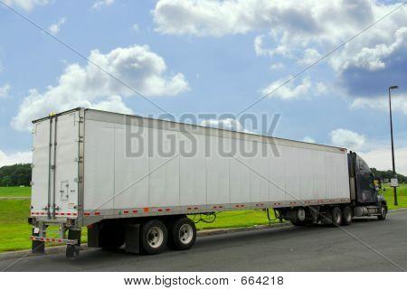 Eighteen Wheeler Truck