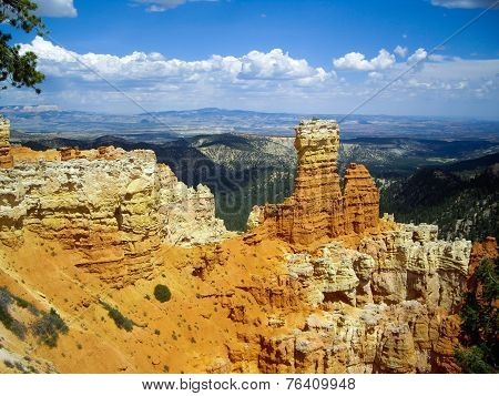 Rock Spires Of Bryce Canyon
