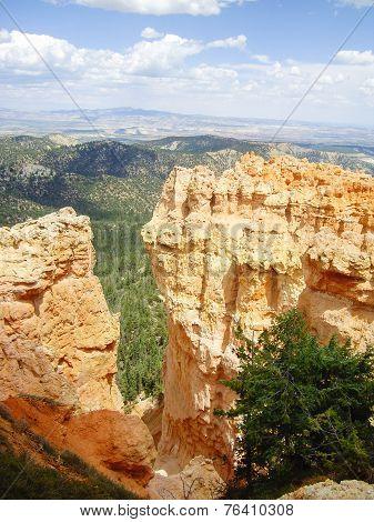 Pillars Of Rock At Bryce Canyon