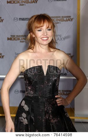 m LOS ANGELES - NOV 17:  Stef Dawson at the The Hunger Games: Mockingjay Part 1 Premiere at the Nokia Theater on November 17, 2014 in Los Angeles, CA