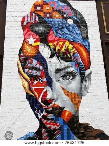 Mural art by Tristan Eaton in Little Italy