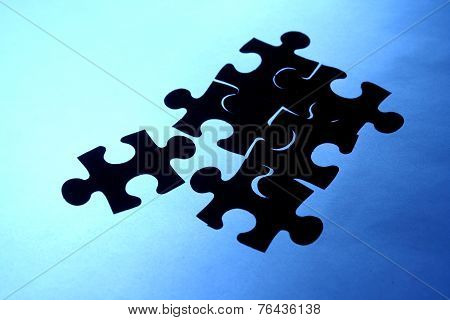 Puzzle with a loose piece