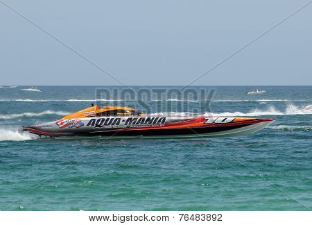 Aqua Mania Speed Boat Racing