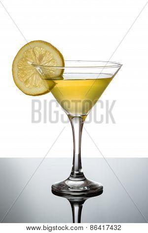 Lemon Martini With Lemon Slice