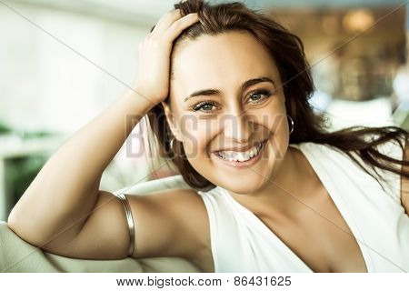 Pretty 30's Woman On A Date