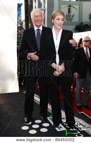 LOS ANGELES - MAR 26:  Christopher Plummer, Julie Andrews at the 50th Anniversary Screening Of