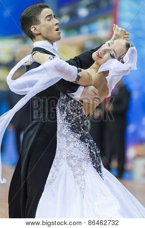Minsk, Belarus-february 14, 2015: Unidentified Professional Dance Couple Performs Youth-2 Standard E