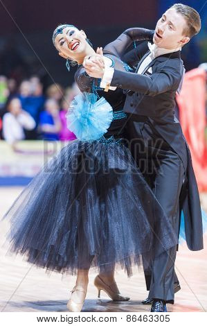 Minsk, Belarus-february 14, 2015: Professional Dance Couple Of Vovchyna Ostap And Simakhina Yuliya F