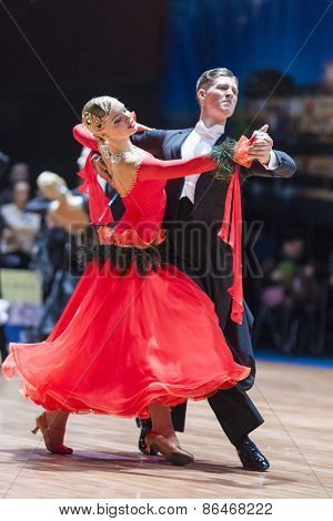 Minsk, Belarus-february 14, 2015: Professional Dance Couple Of Svaibovich Kirill And Kalickaya Evgen