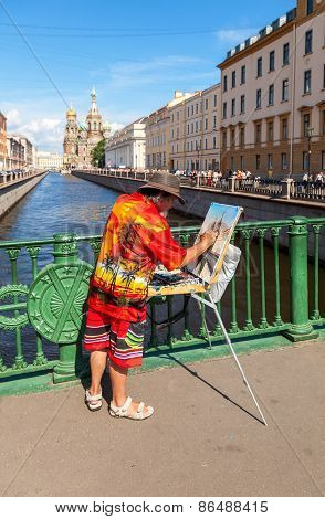 Artist Paint Church Of The Savior On Spilled Blood In Petersburg, Russia