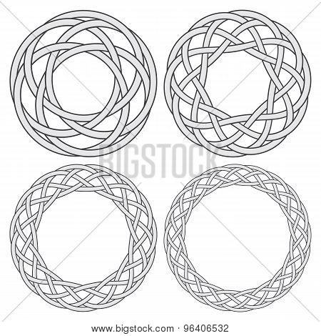 4 circular decorative elements with stripes braiding