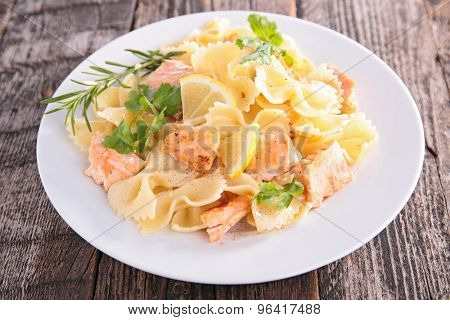 pasta with salmon and cream