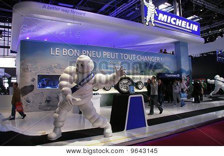 Paris Motor Show 2010 - Michelin Stand